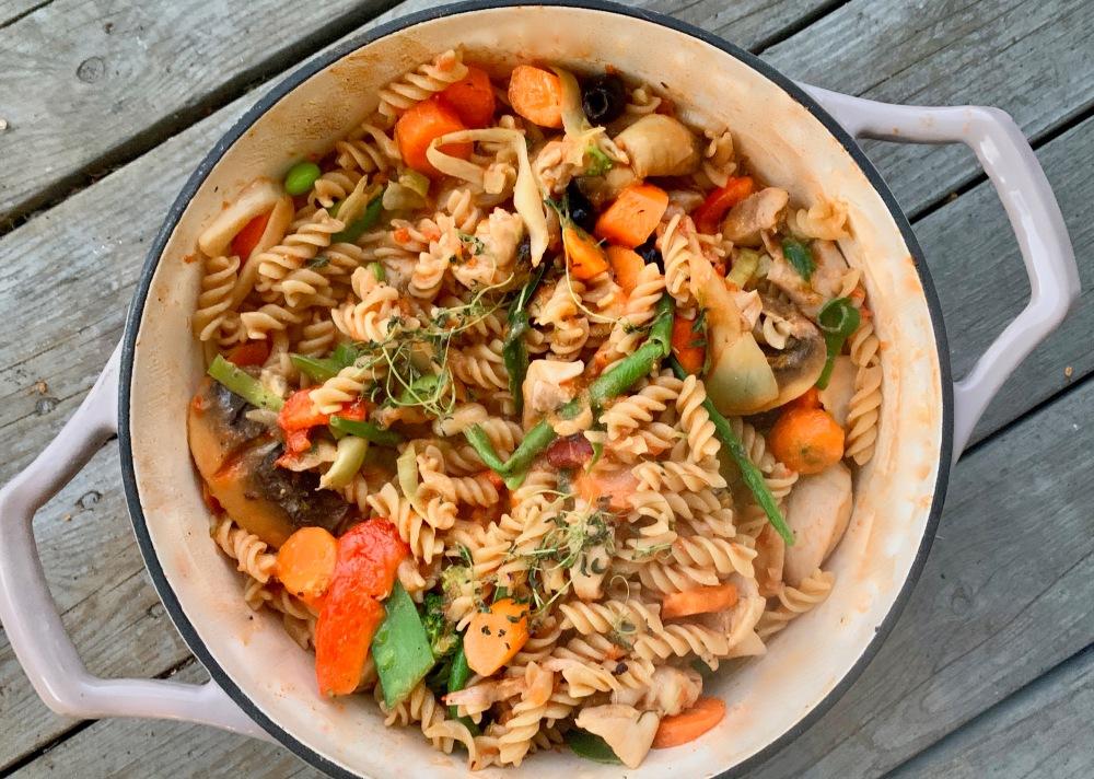 kyllinggryte med pasta og grønnsaker